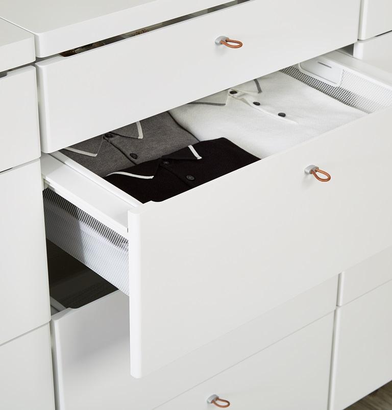 Полка с фасадом гардеробной системы хранения Elfa
